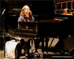 Rad at piano